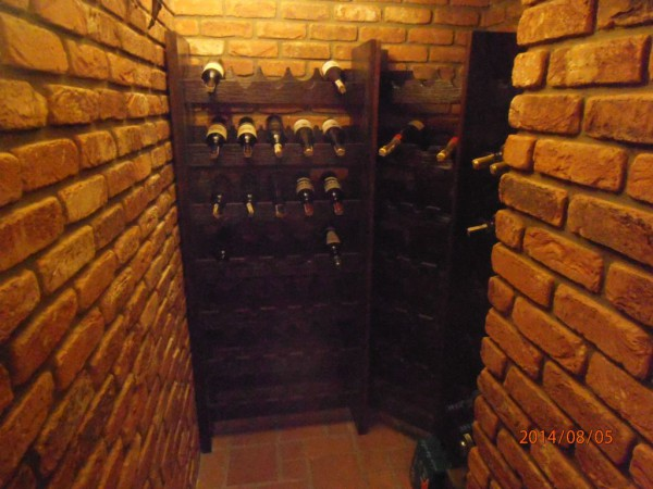 drewniane_polki_na_wino.jpg